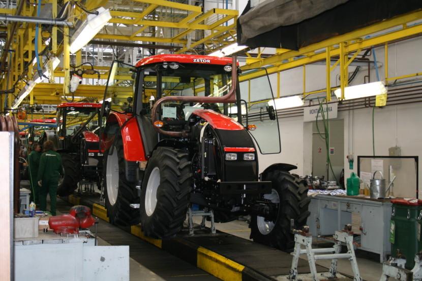 В Минске туристам предложат собрать трактор